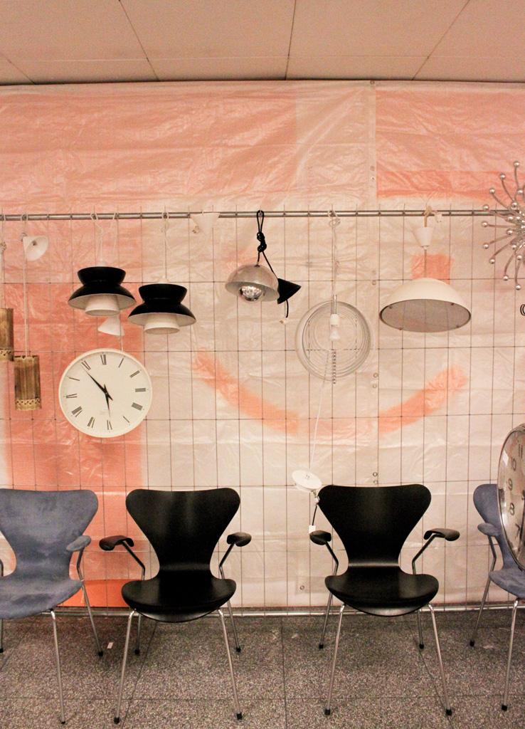 vintagency. Black Bedroom Furniture Sets. Home Design Ideas